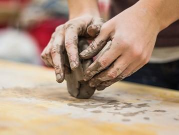 I corsi di ceramica de I Cocci a Napoli - Materiali utilizzati: l'argilla